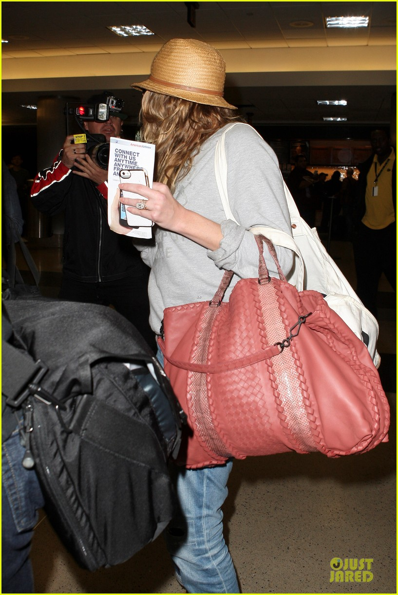 leann rimes traveling sick with eddie cibrian 17
