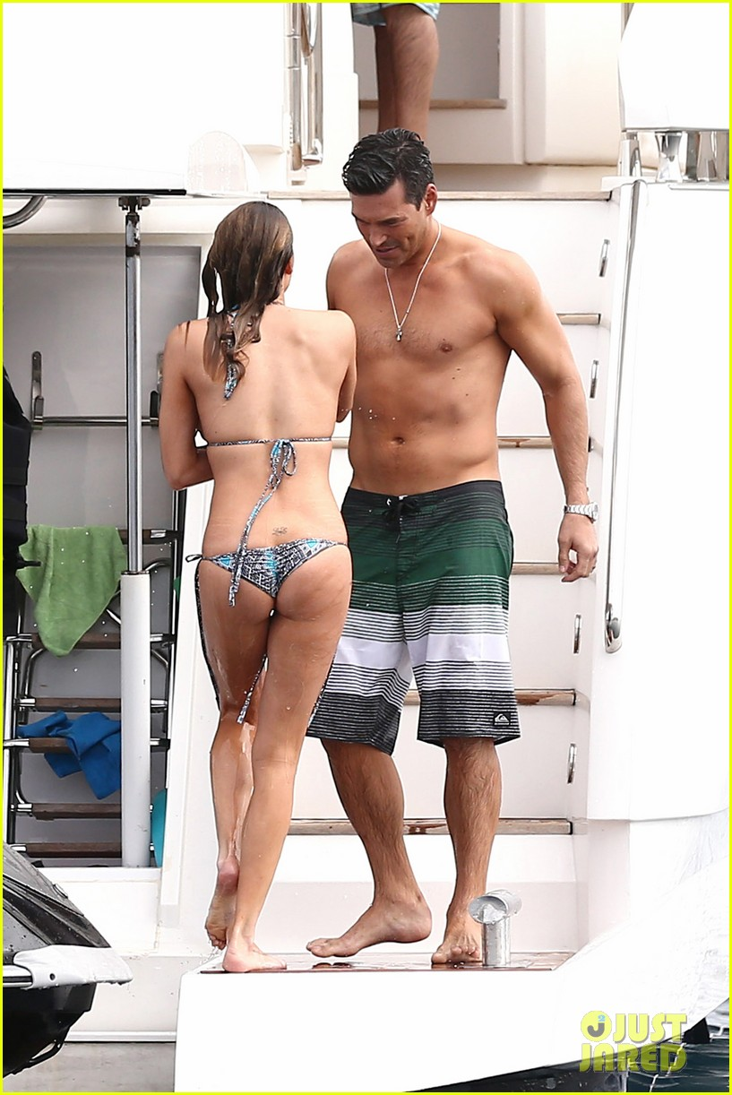 leann rimes eddie cibrian new years eve swimming in cabo 08