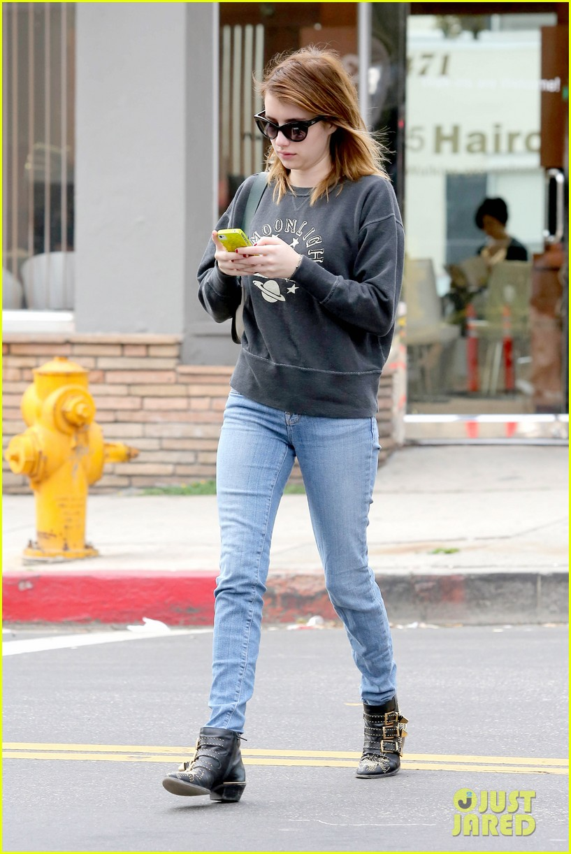 emma roberts nail salon stop 17