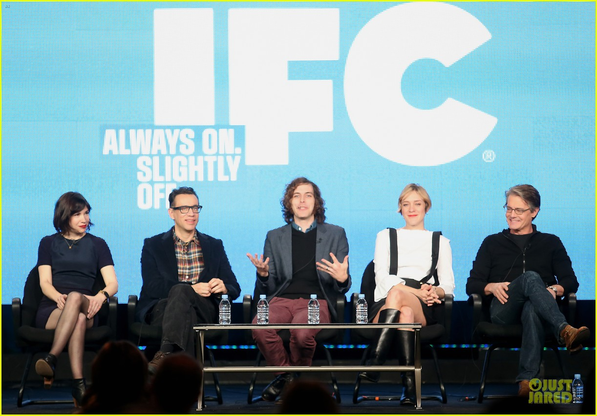 chloe sevigny & carrie brownstein porlandia tca panel 01