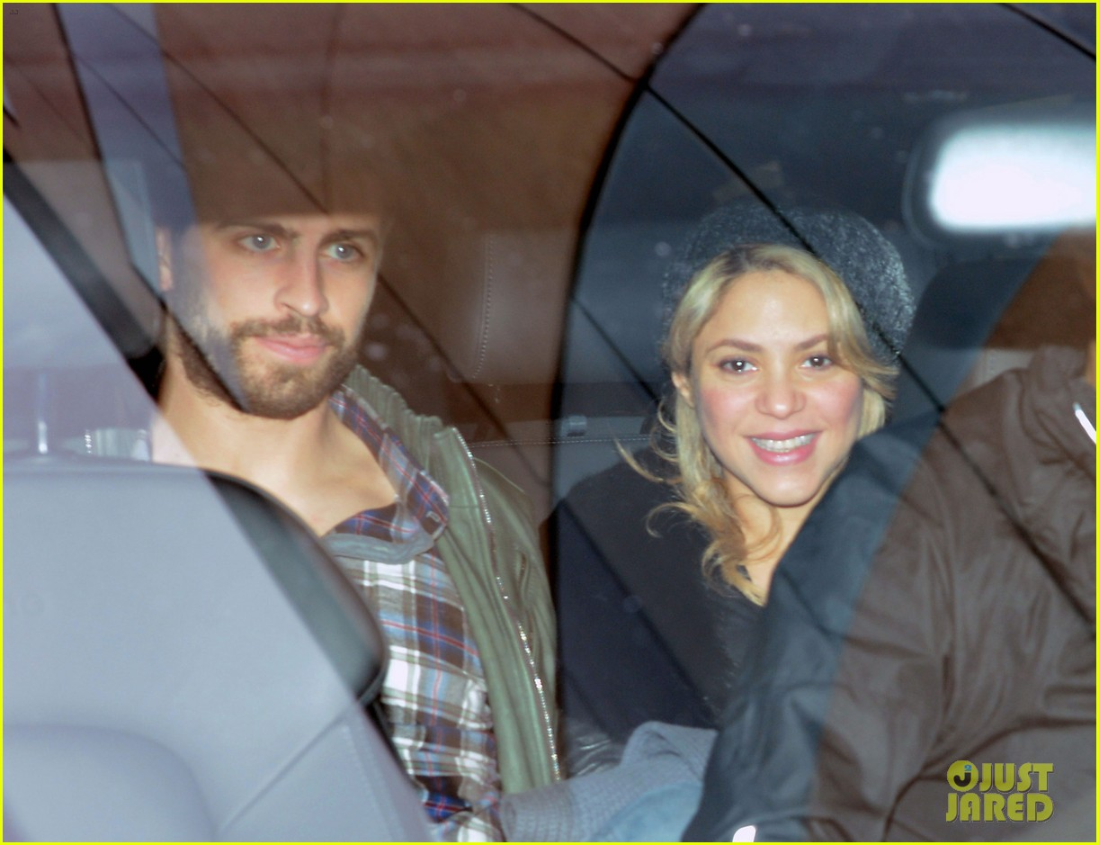 shakira gerard pique leave hospital with baby milan 04