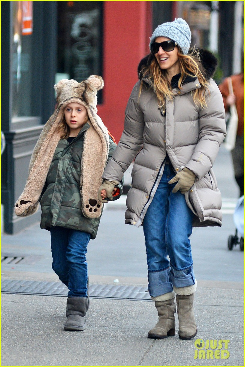 sarah jessica parker james wears bear hat 05