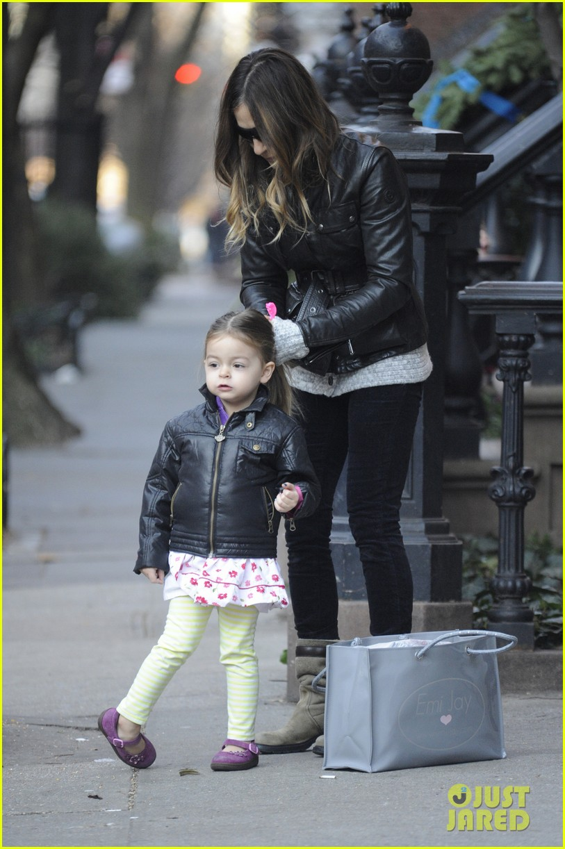 sarah jessica parker twins matching leather jackets 05
