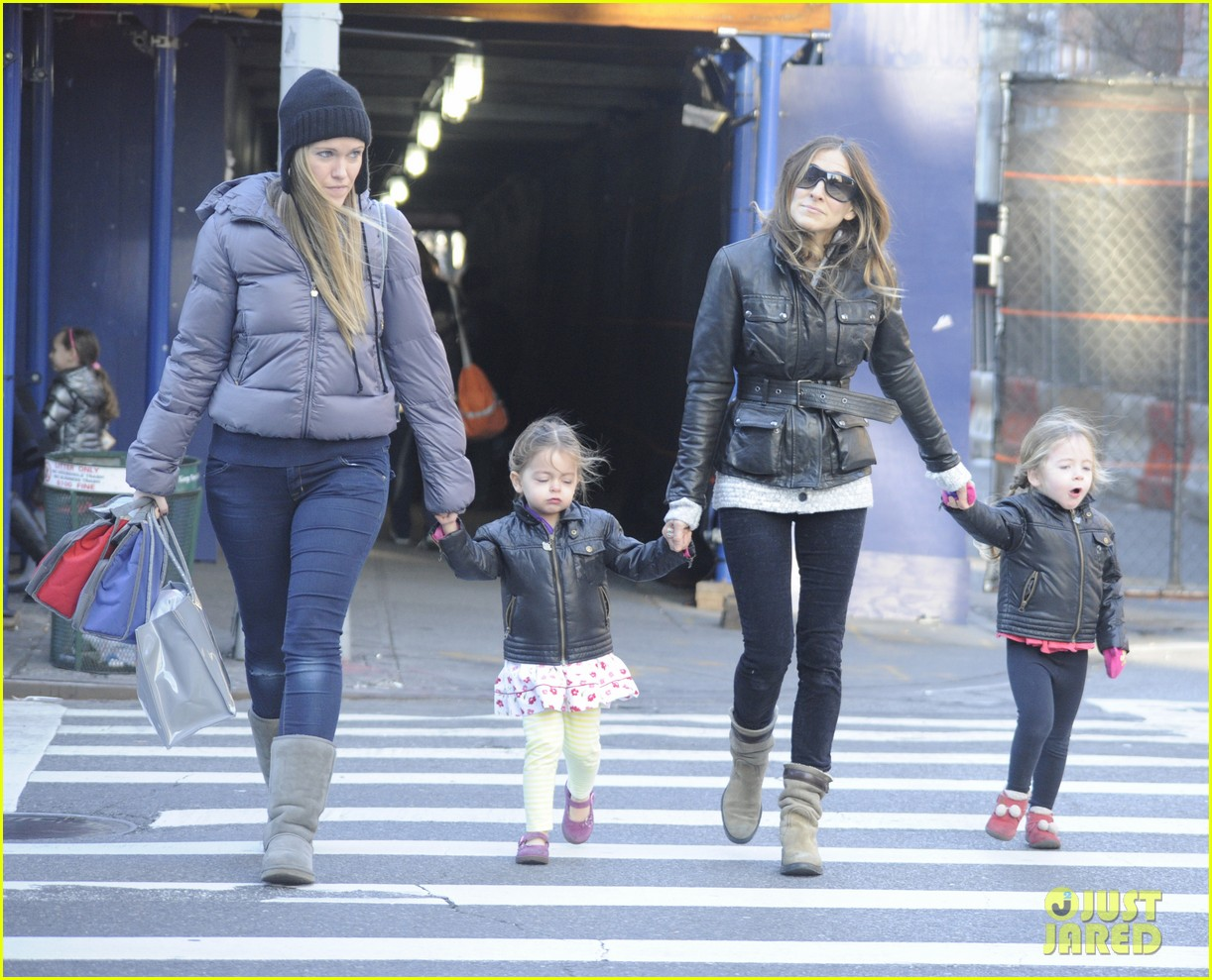 sarah jessica parker twins matching leather jackets 10