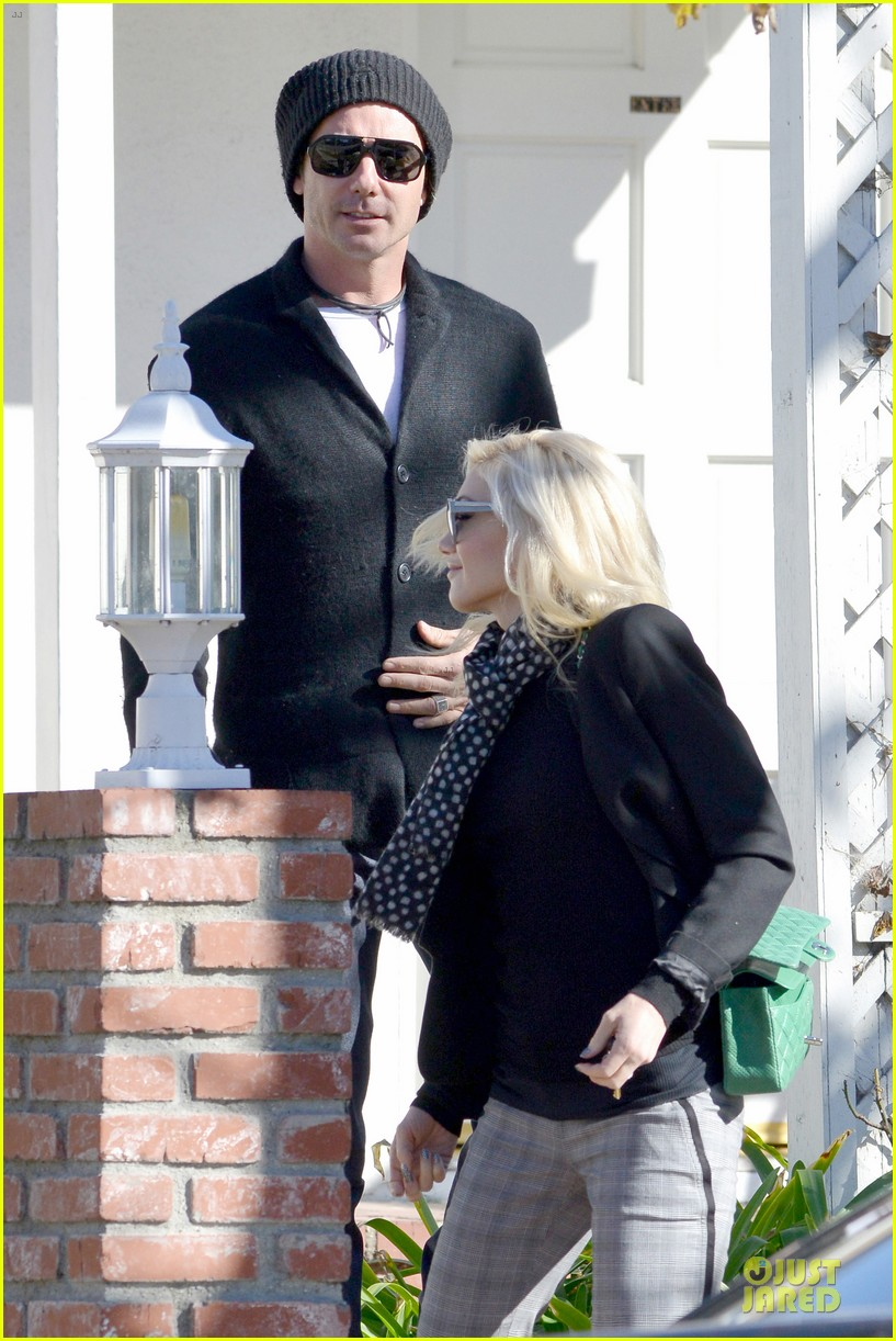 gwen stefani & gavin rossdale winter coffee couple 102786329