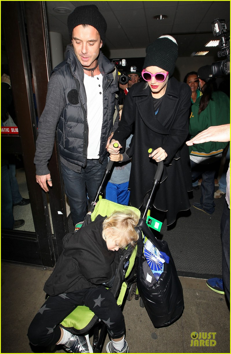 gwen stefani & gavin rossdale winter coffee couple 33