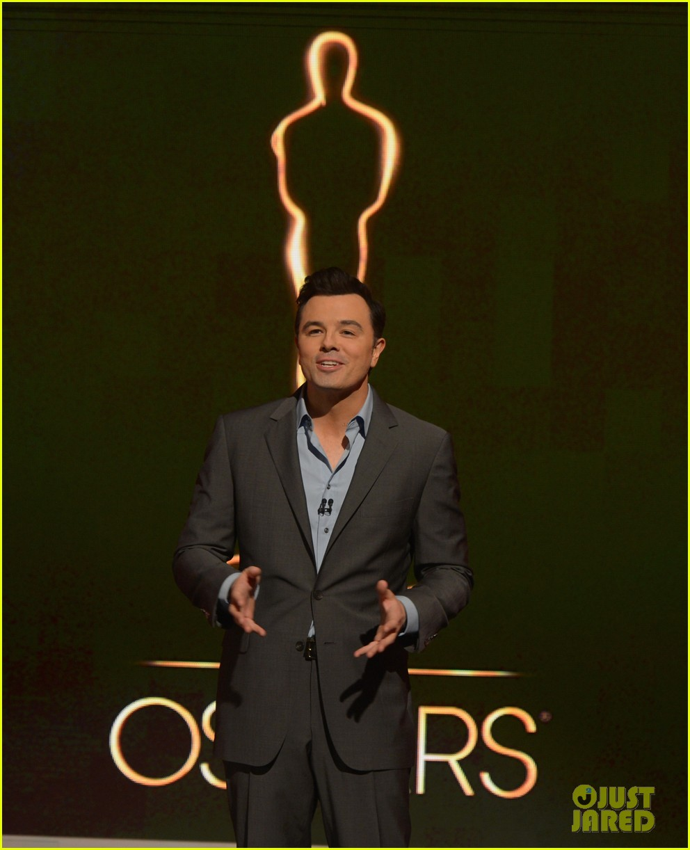 emma stone seth macfarlane announce oscar nominations 2013 132788453