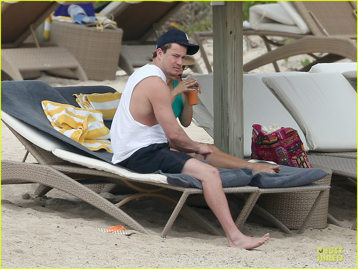 channing tatum & pregnant jenna dewan bikini lounging in cabo 03