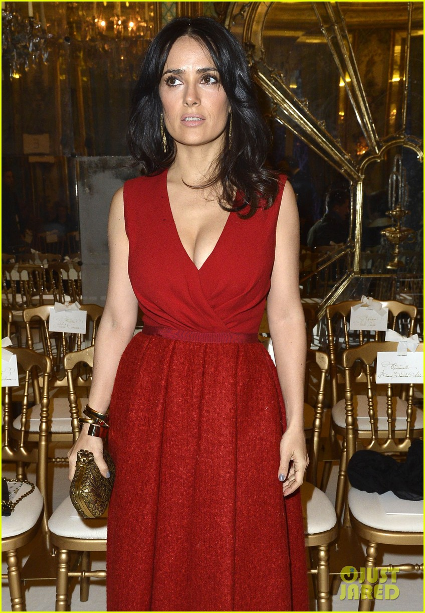 salma hayek dita von teese paris fashion week ladies 082796541