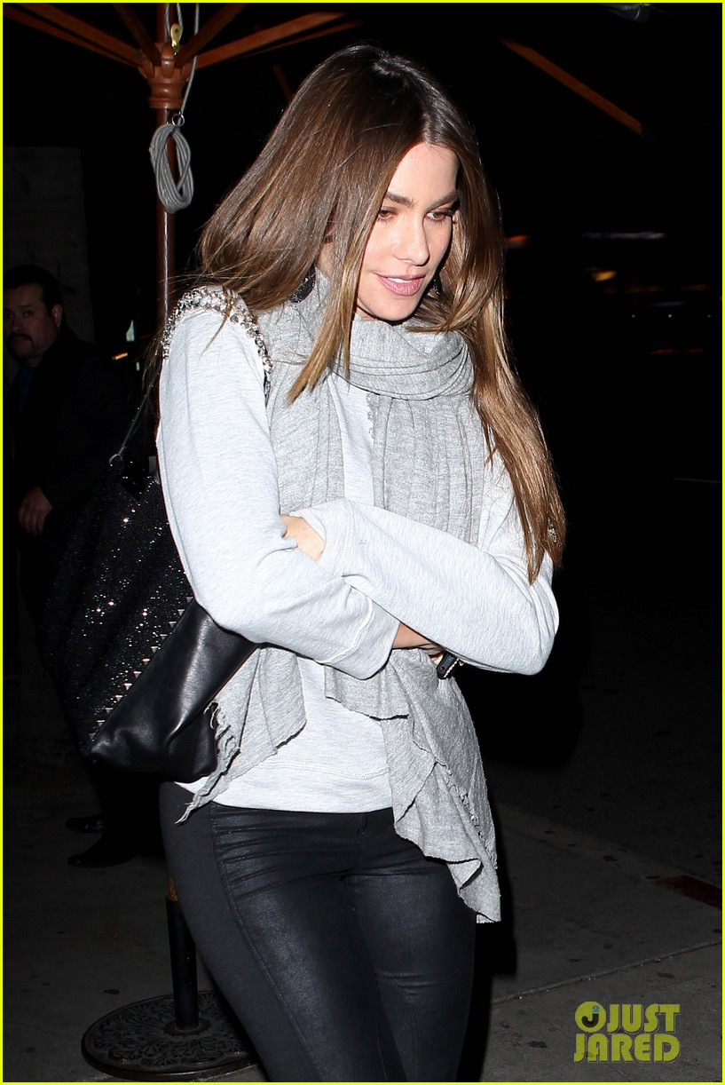 sofia vergara steps out post modern family sag win 11