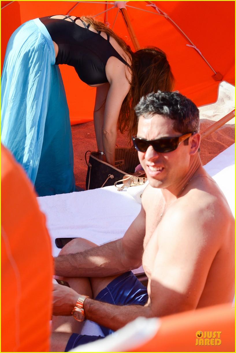 sofia vergara miami beach with shirtless nick loeb 092784169