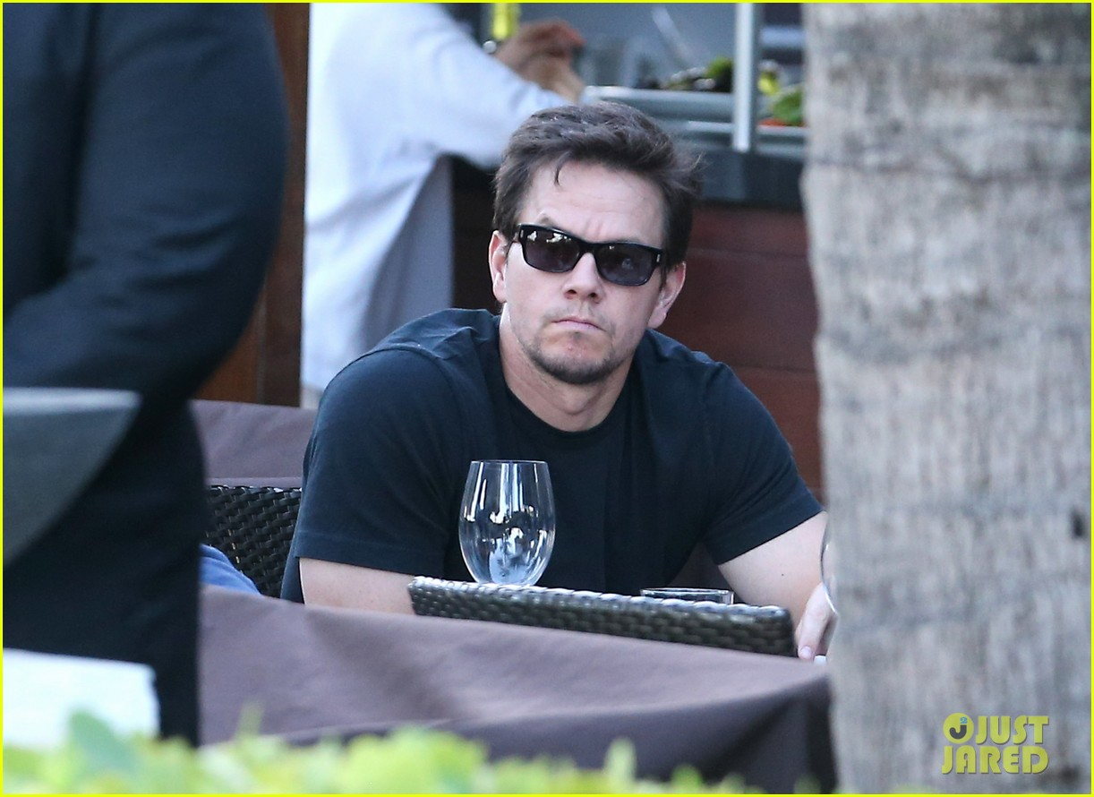 mark wahlberg new broken city twitter spot 05