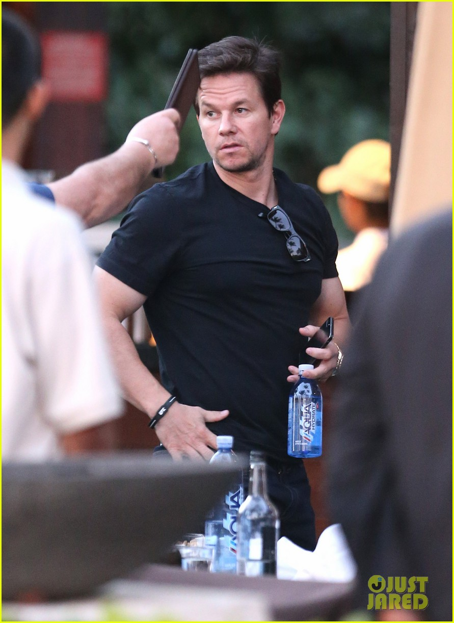 mark wahlberg new broken city twitter spot 10