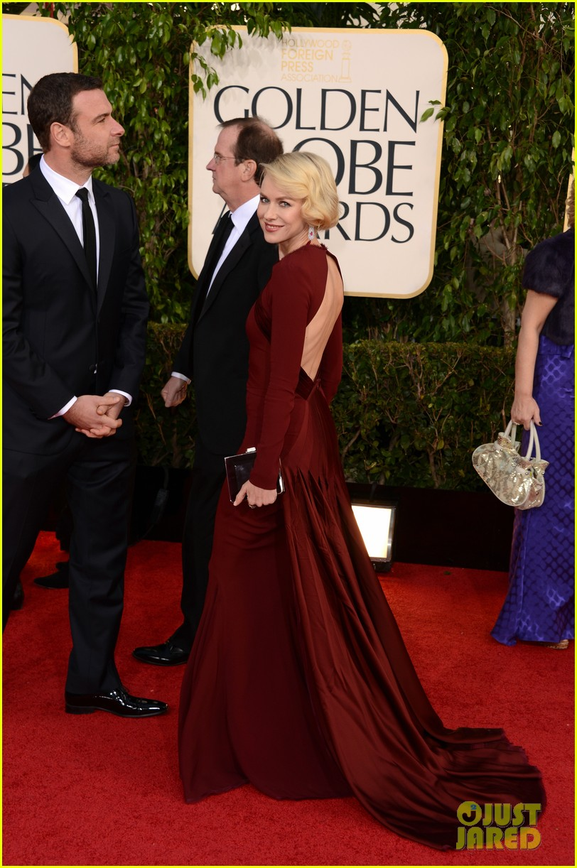 naomi watts liev schreiber golden globes 2013 red carpet 062791326