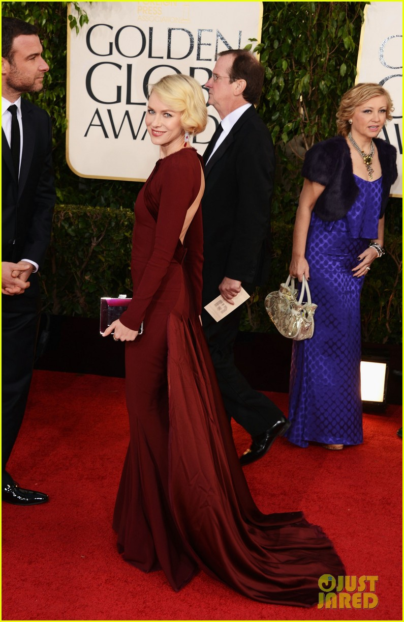 naomi watts liev schreiber golden globes 2013 red carpet 13