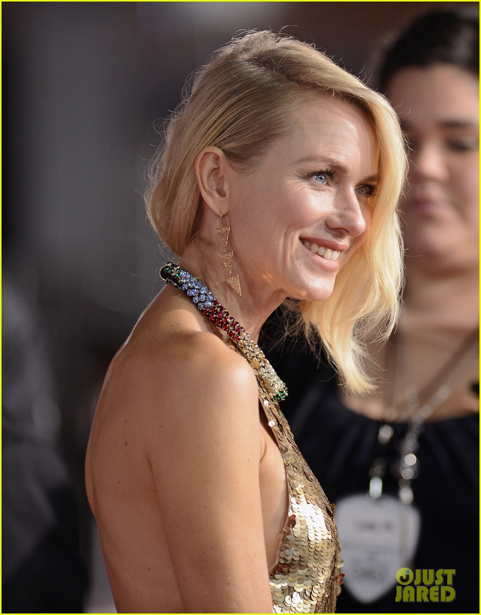 naomi watts peoples choice awards 2013 red carpet 06