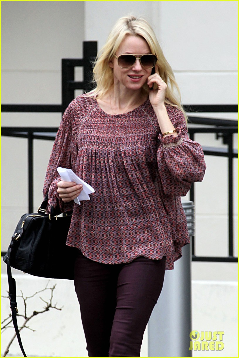 naomi watts i never get recognized on the street 02