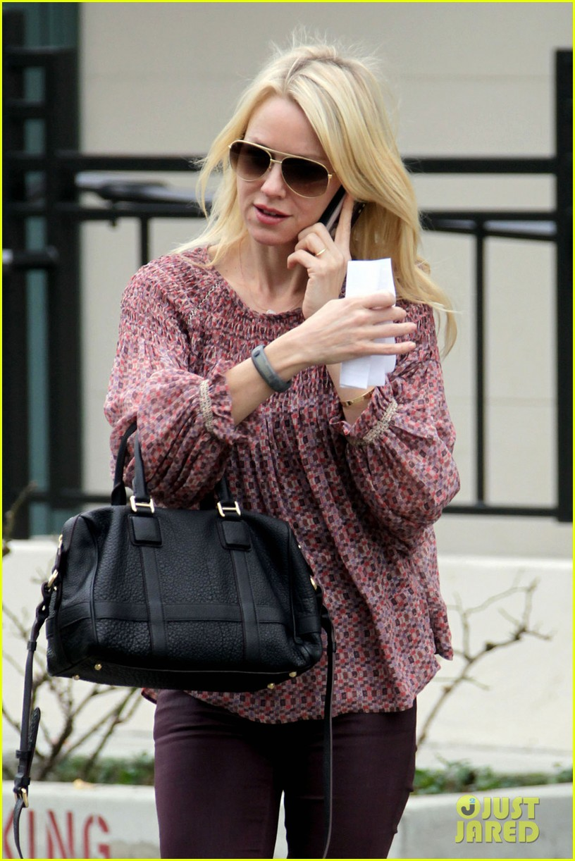 naomi watts i never get recognized on the street 04
