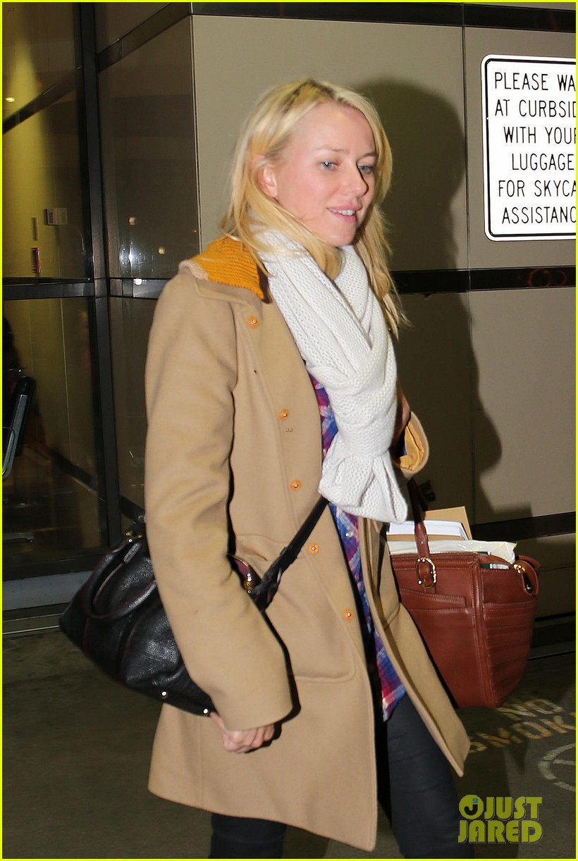 naomi watts liev schreiber sunday with kids 02