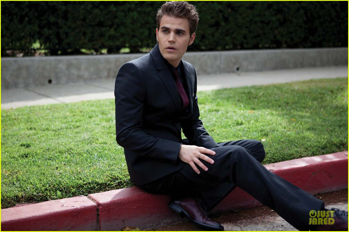 paul wesley bites august man magazine january 2013 032798766