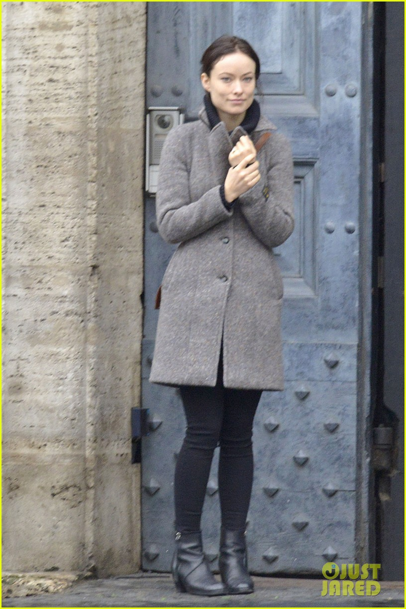 olivia wilde flashes engagement ring on third person set 08