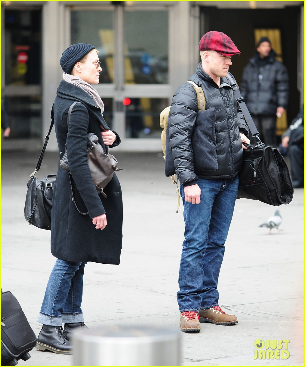 robin wright ben foster penn station pair 06