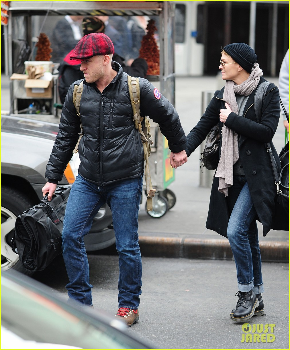 robin wright ben foster penn station pair 12