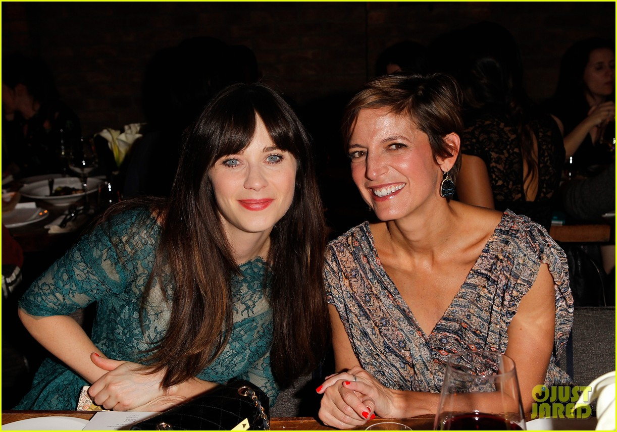 zooey deschanel glamour cover girl celebration 032800773