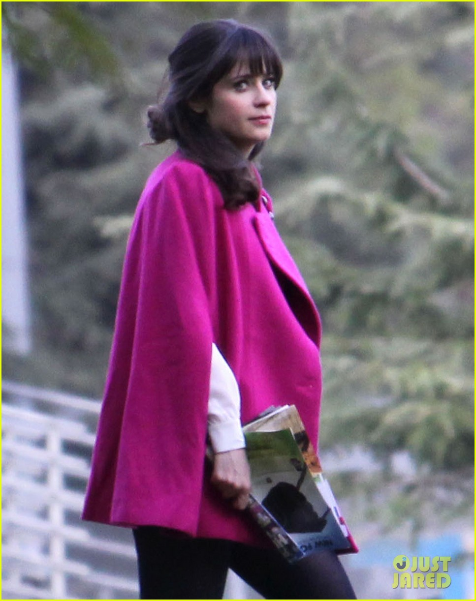 zooey deschanel new hello giggles is up running 09
