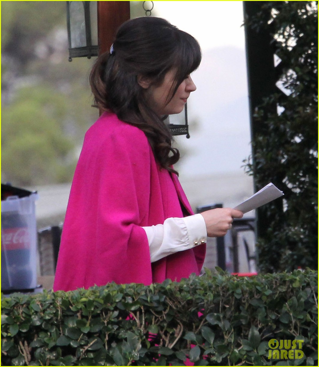 zooey deschanel new hello giggles is up running 112797938
