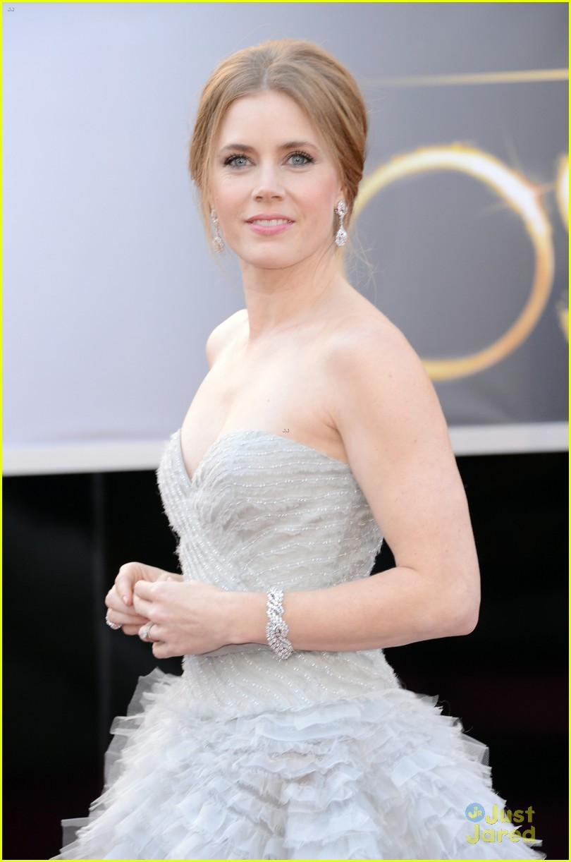 amy adams darren le gallo oscars 2013 red carpet 112818985