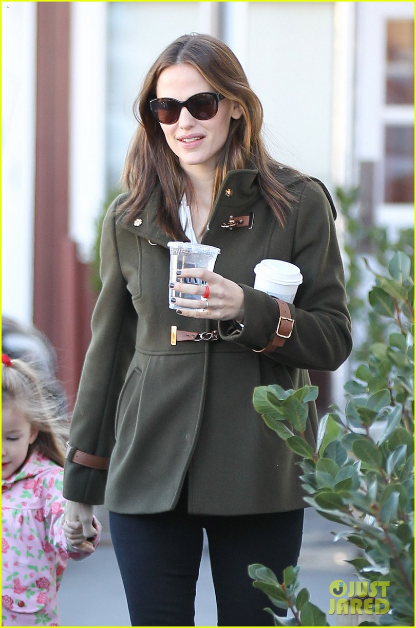 ben affleck jennifer garner breakfast with seraphina 102811516