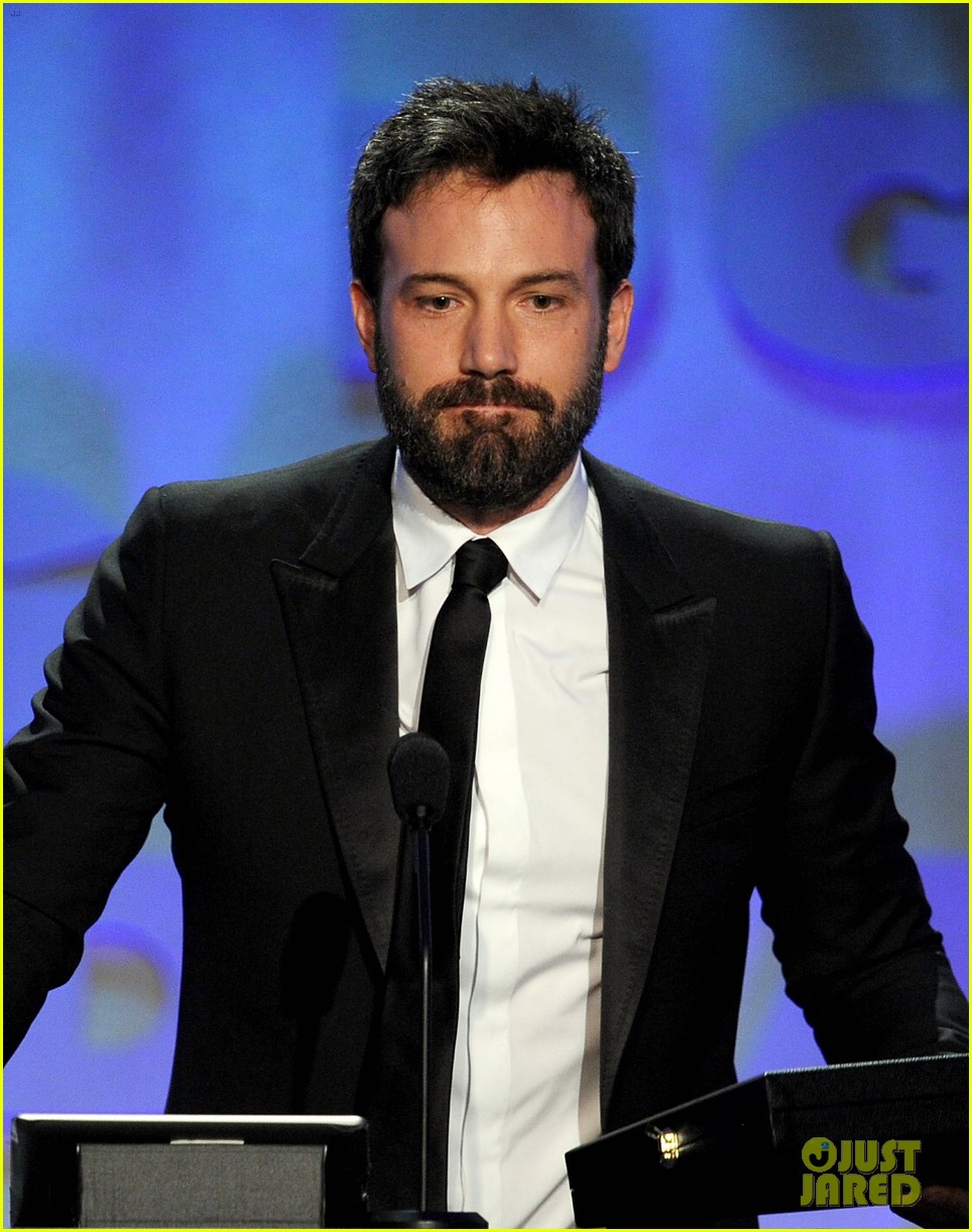 ben affleck wins dga award 2013 despite oscar snub 04