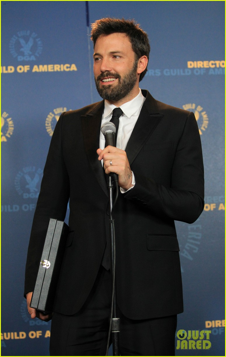 ben affleck wins dga award 2013 despite oscar snub 052803742