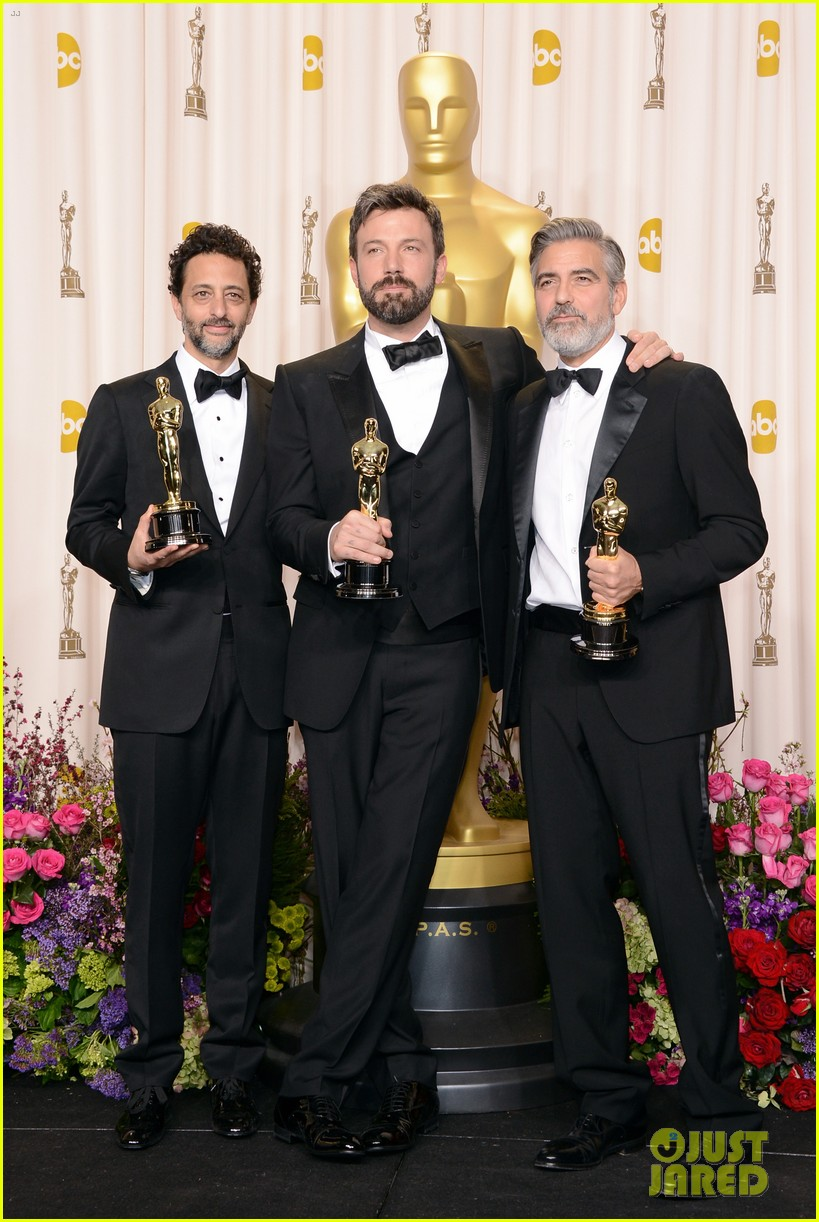 ben affleck george clooney win best picture oscar 2013 03