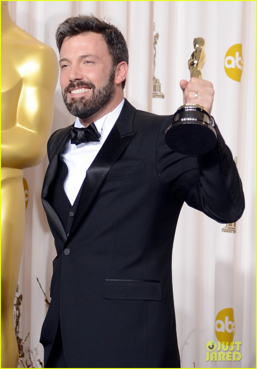 ben affleck george clooney win best picture oscar 2013 042819920