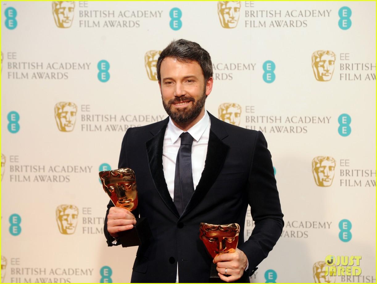 ben affleck wins baftas best director best film 2013 012808991