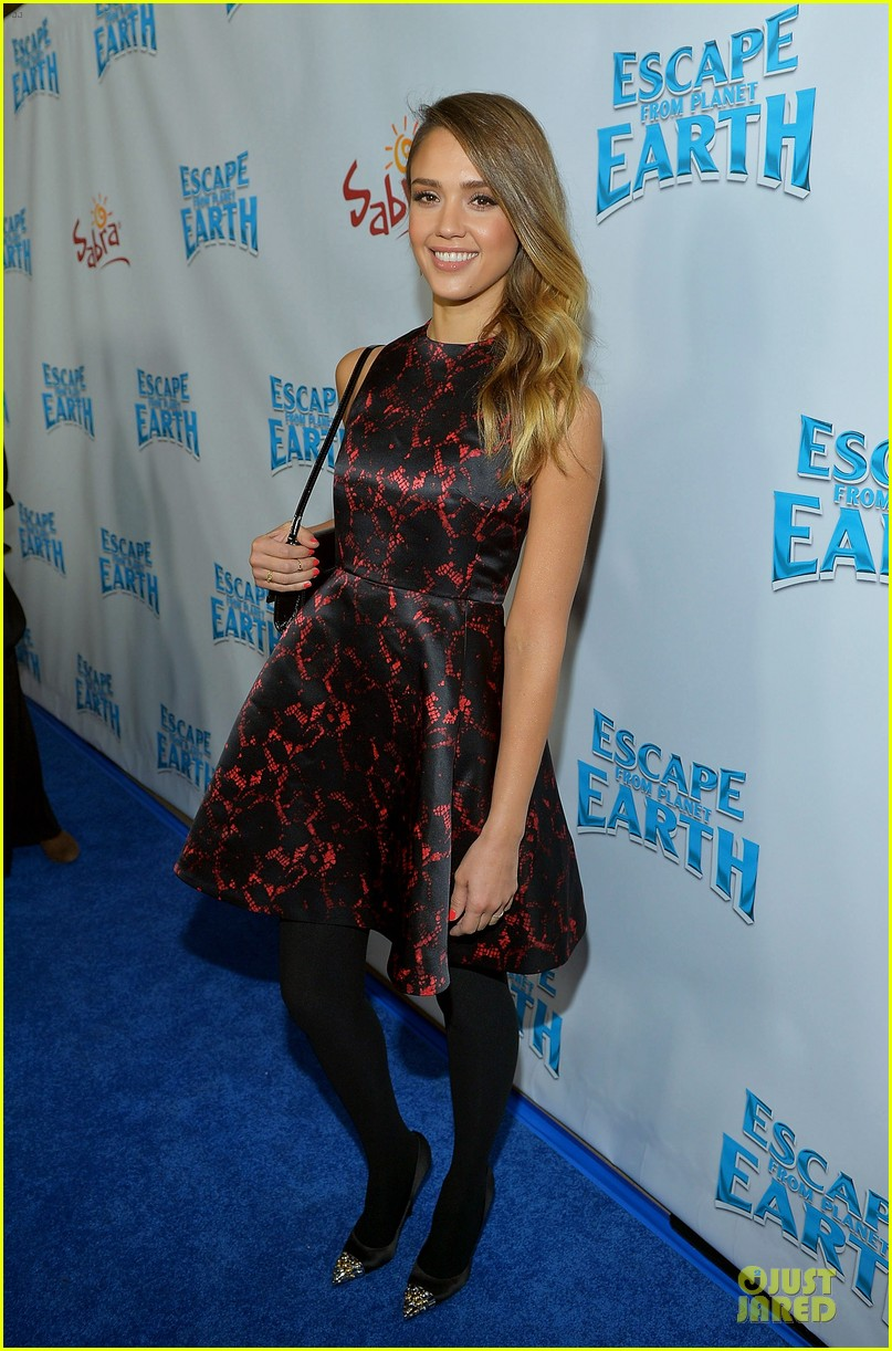 jessica alba hugh jackman escape from planet earth los angeles premiere 012803255