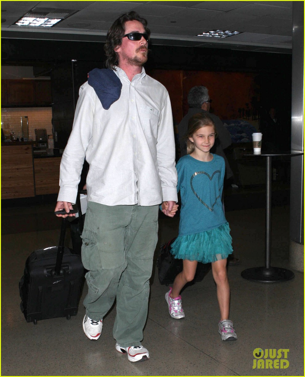 christian bale post birthday family flight 05