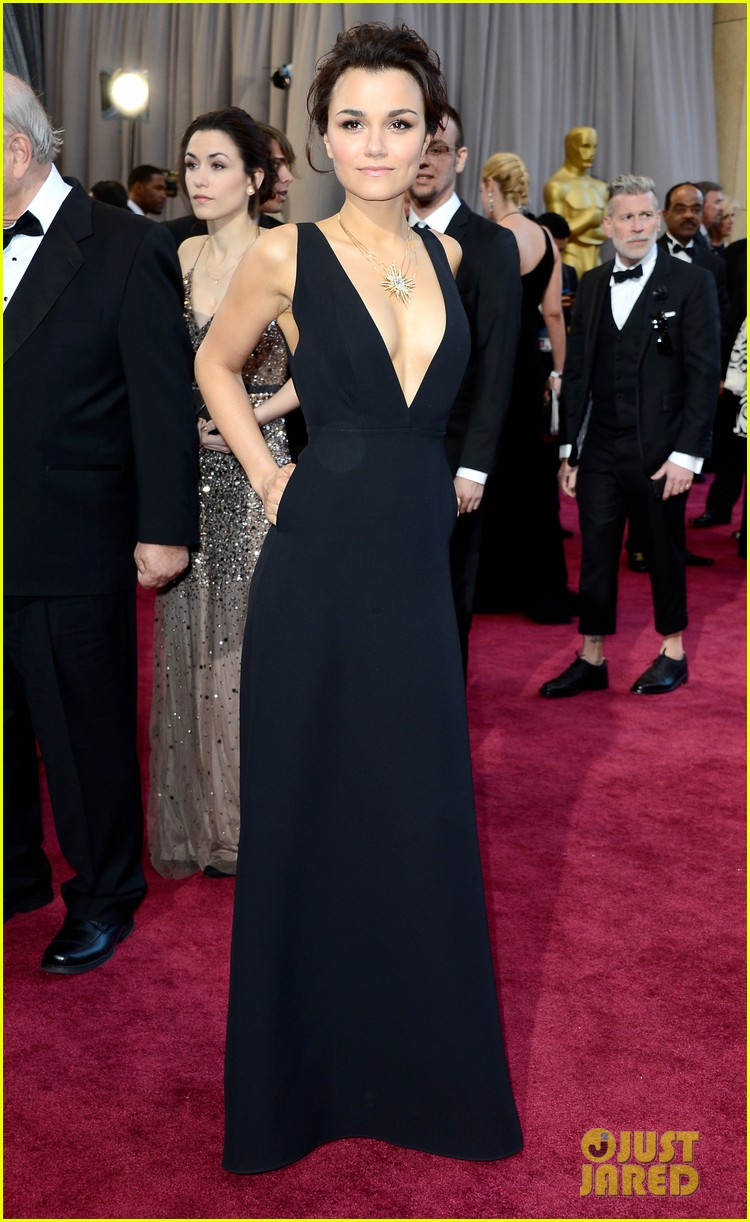 jennifer aniston oscars 2013 red carpet 05