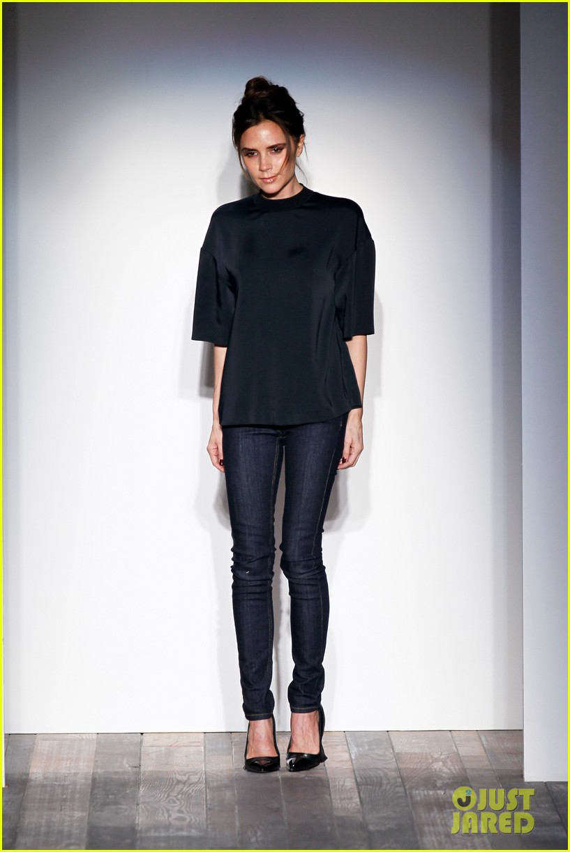 victoria beckham new york fashion week runway show 012809968