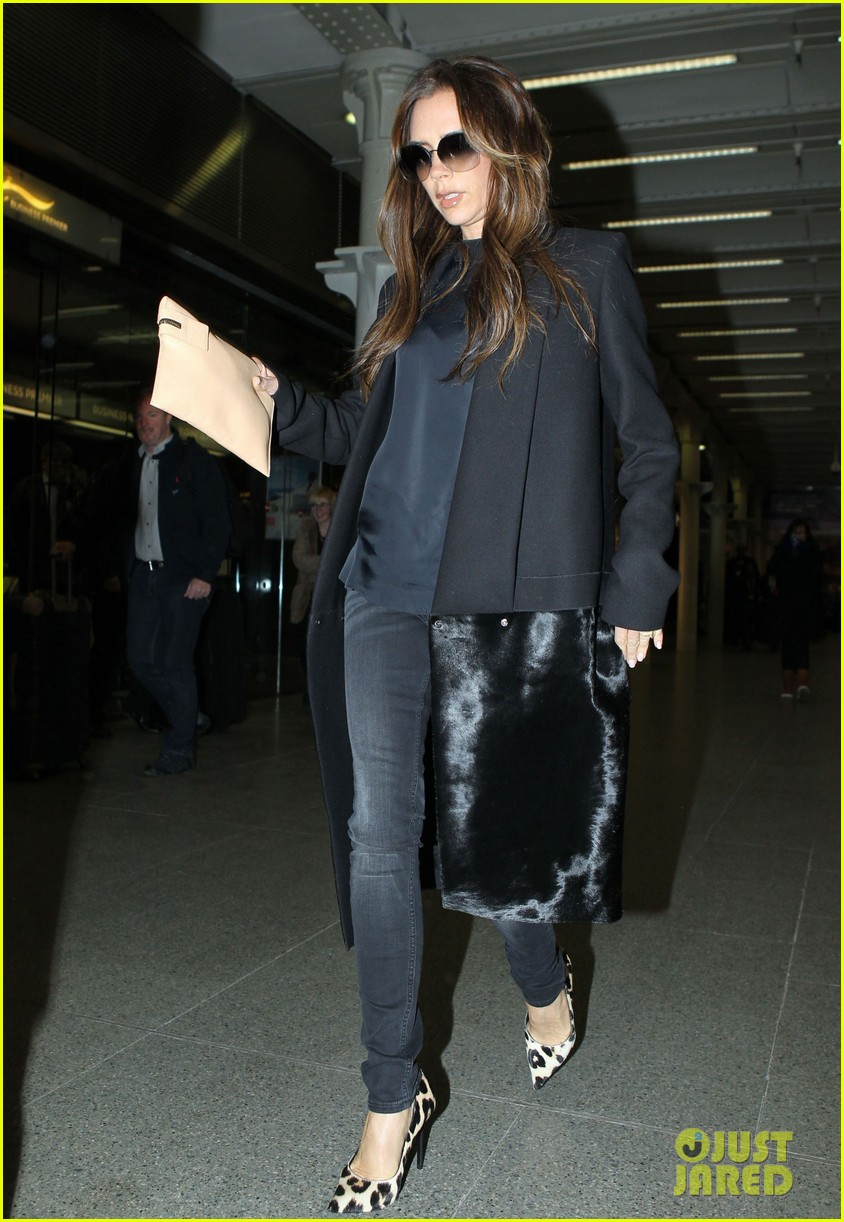 victoria beckham leaves paris after david beckhams first psg win 042821263