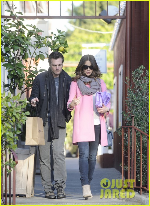 kate beckinsale len wiseman brentwood country mart couple 07