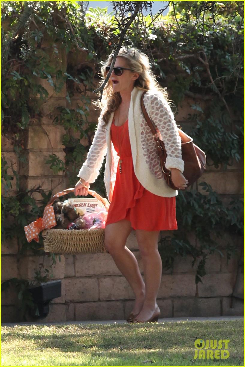 Kristen Bell s Daughter   Kristen Bells Husband   Kristen Bells BabyKristen Bell Baby Shower