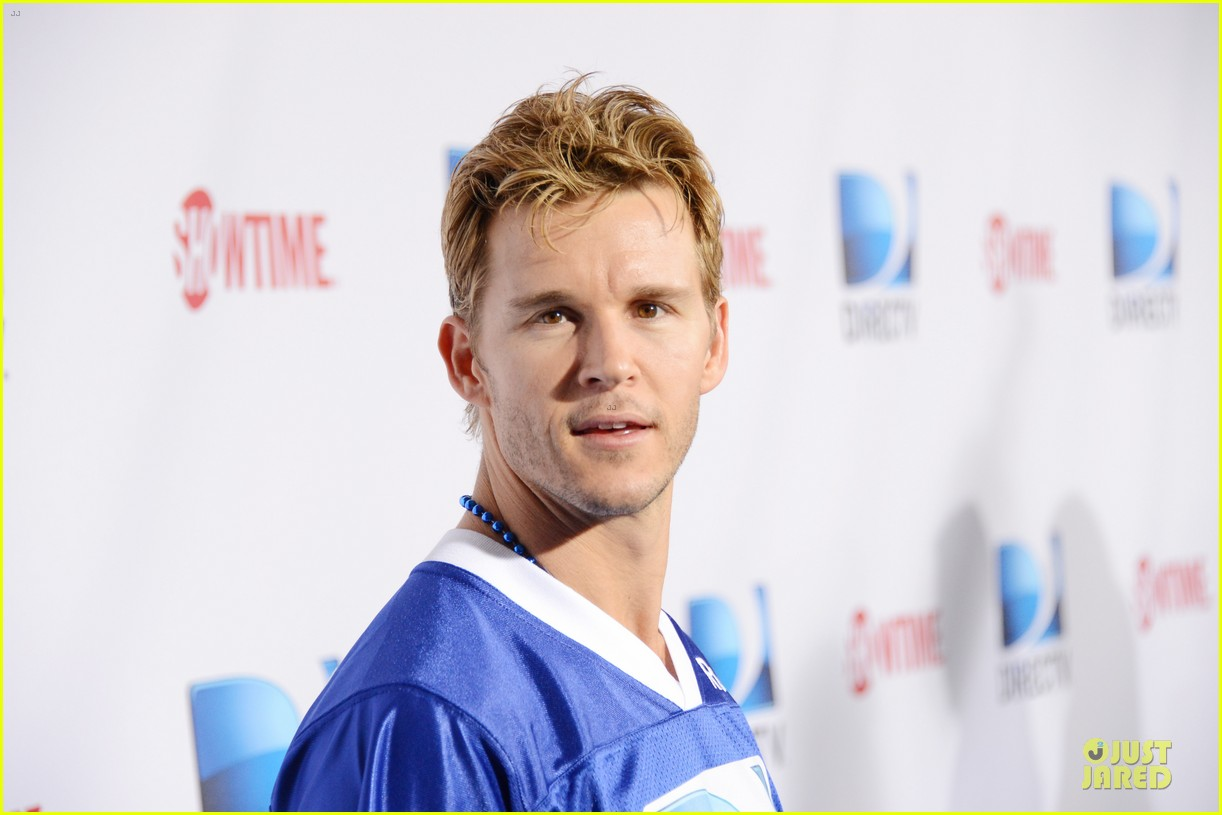 matt bomer ryan kwanten celebrity beach bowl party guys 17