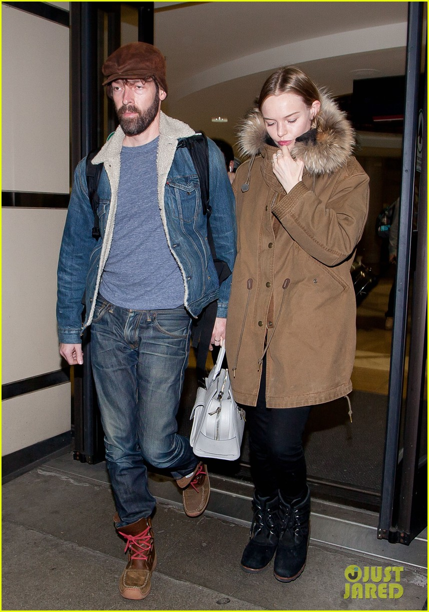 kate bosworth lax arrivial with michael polish 02