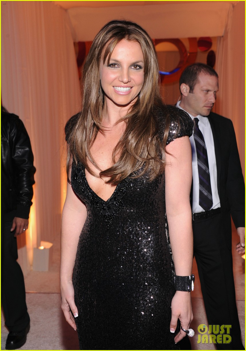 britney spears brown hair at elton john oscars party 2013 13