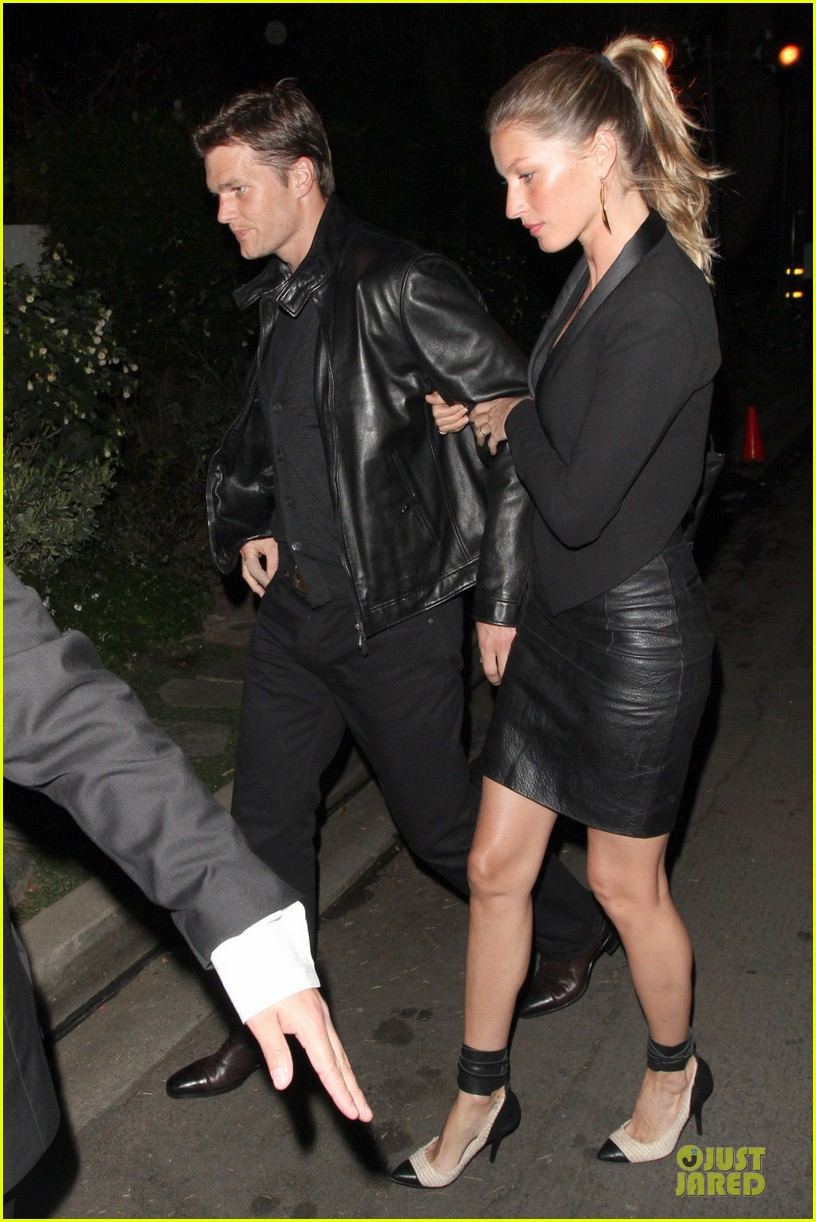 gisele bundchen tom brady pre oscar party in brentwood 01