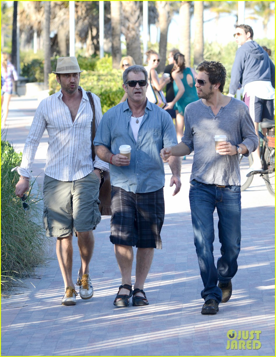 gerard butler mel gibson bromance continues 06