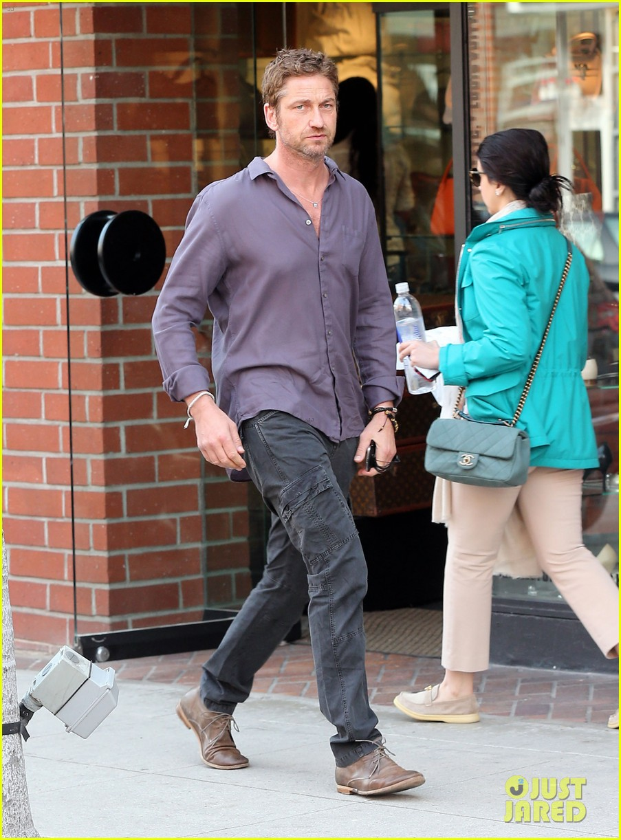 gerard butler medical building visit 032806752